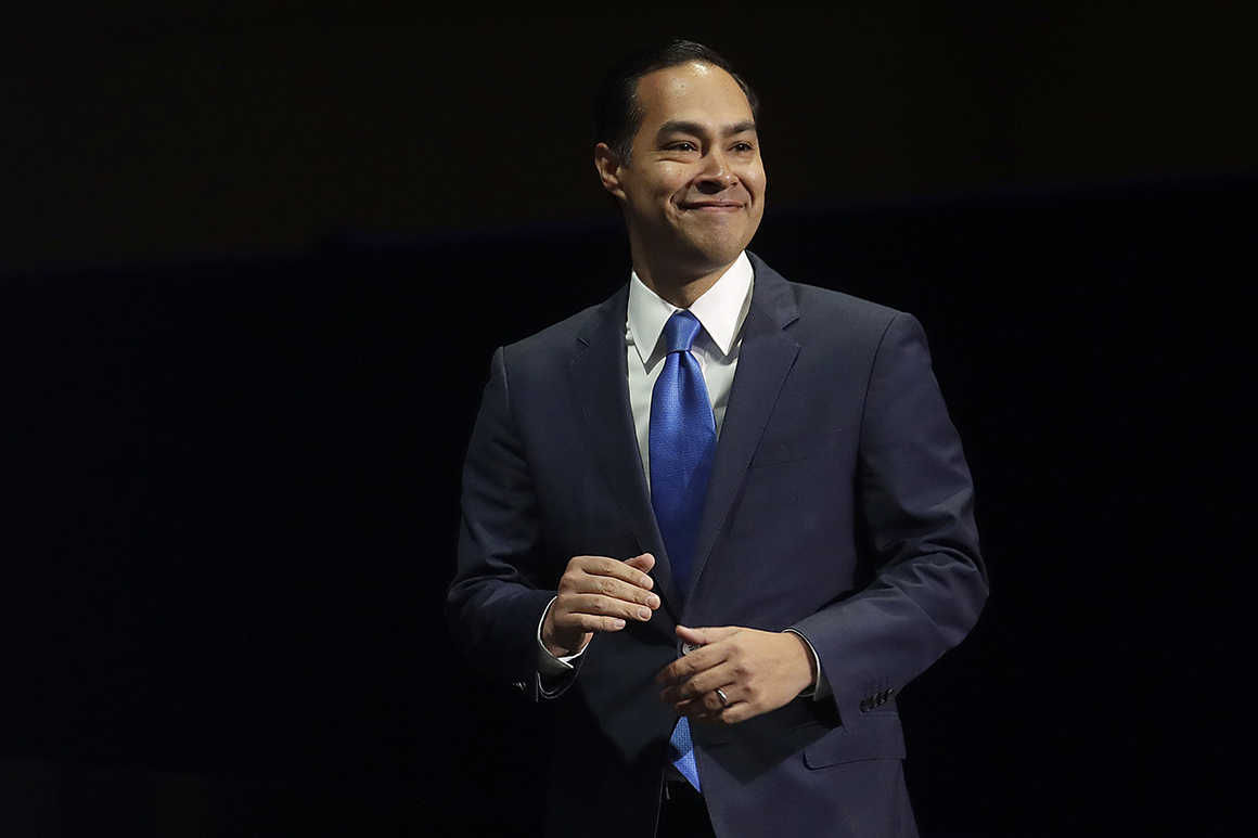 Undocumented immigrants should get health care, Julián Castro affirms
