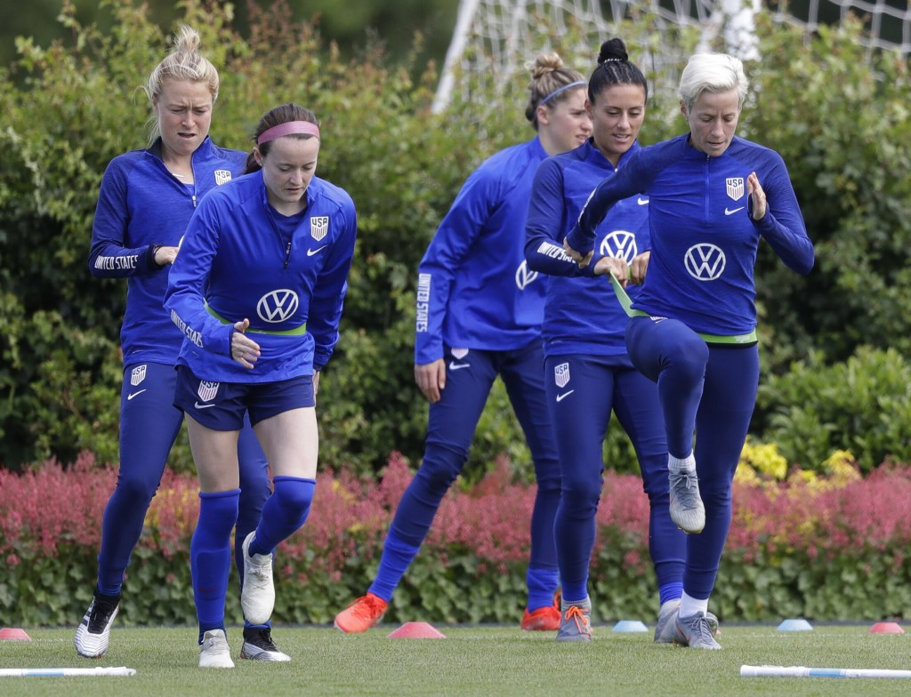 As World Cup begins, U.S. women await their turn