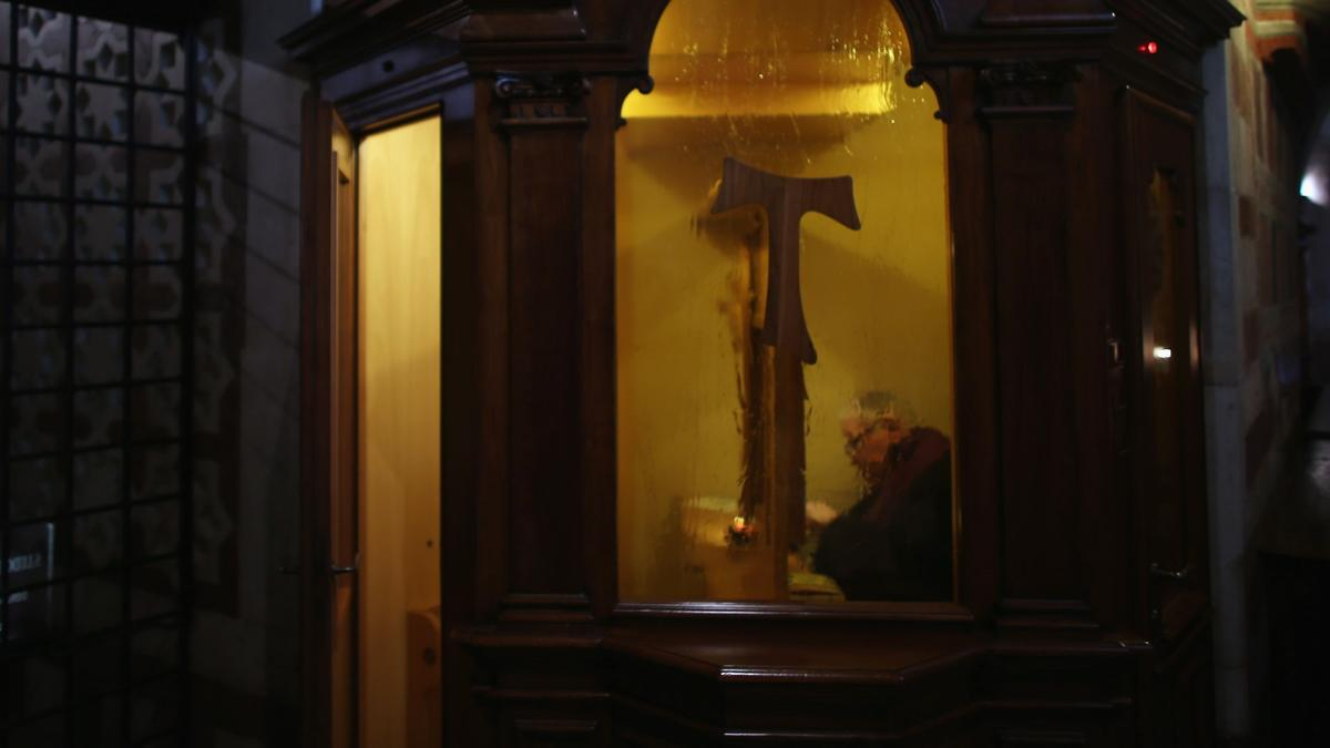 Breaking Catholic Seal of Confession to Report Sex Crimes