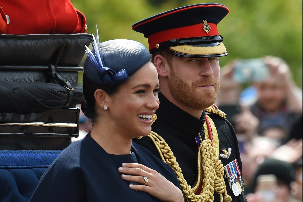 Meghan Markle flashes blingy 'push present' in first post-birth appearance