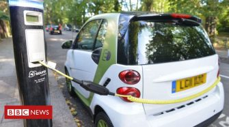 Electric cars 'will not solve transport problem,' report warns