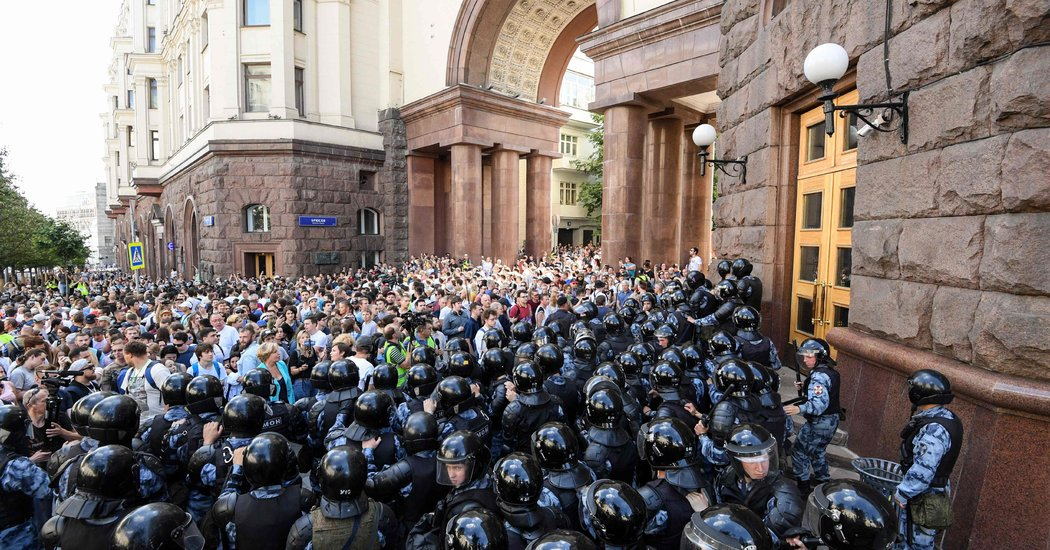 Moscow Police Arrest More Than 400 at Election Protest