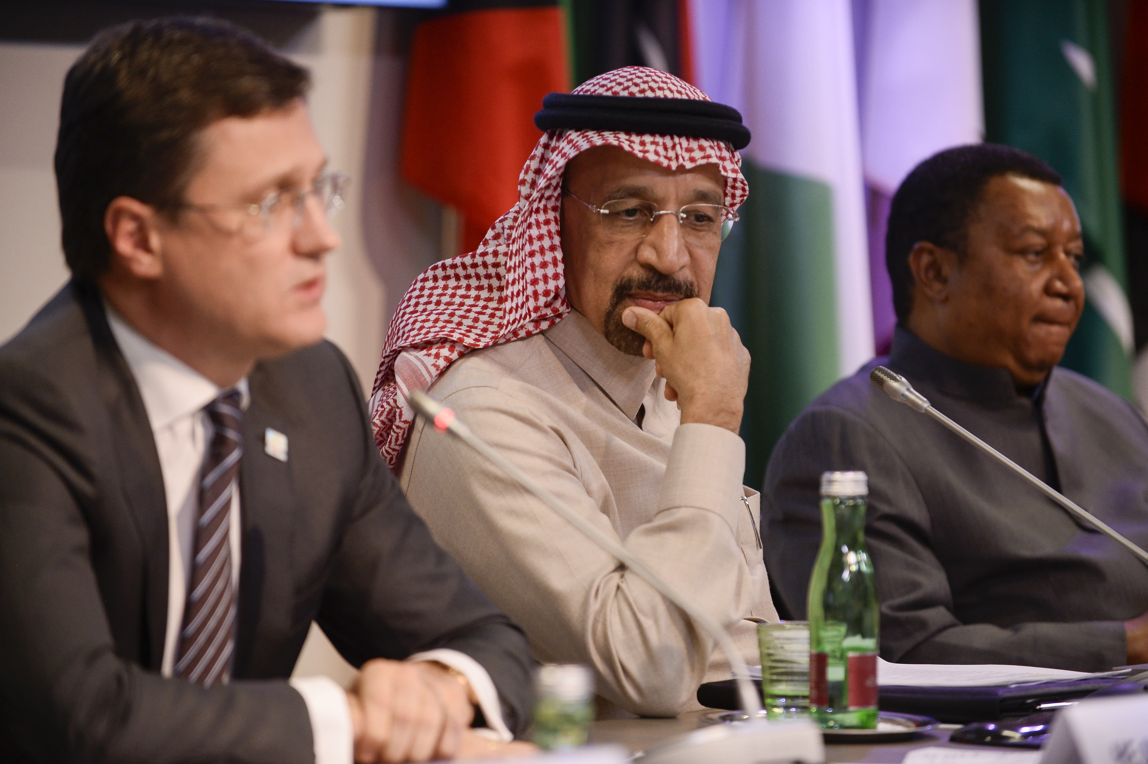 Russia approves OPEC+ deal to rollover production cuts