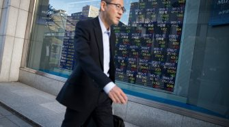 S&P 500, US-China trade, oil and currencies in focus