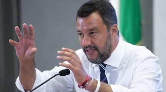 Italian politicians try to stop push for elections