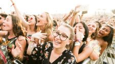 How This Eyewear Retailer Is Transforming Music Festivals With AR Technology