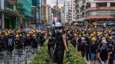 Hong Kong Protesters Clash With Police Amid Fears of Mob Violence