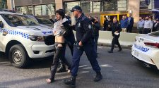 Man with knife arrested after major police operation, Sydney CBD