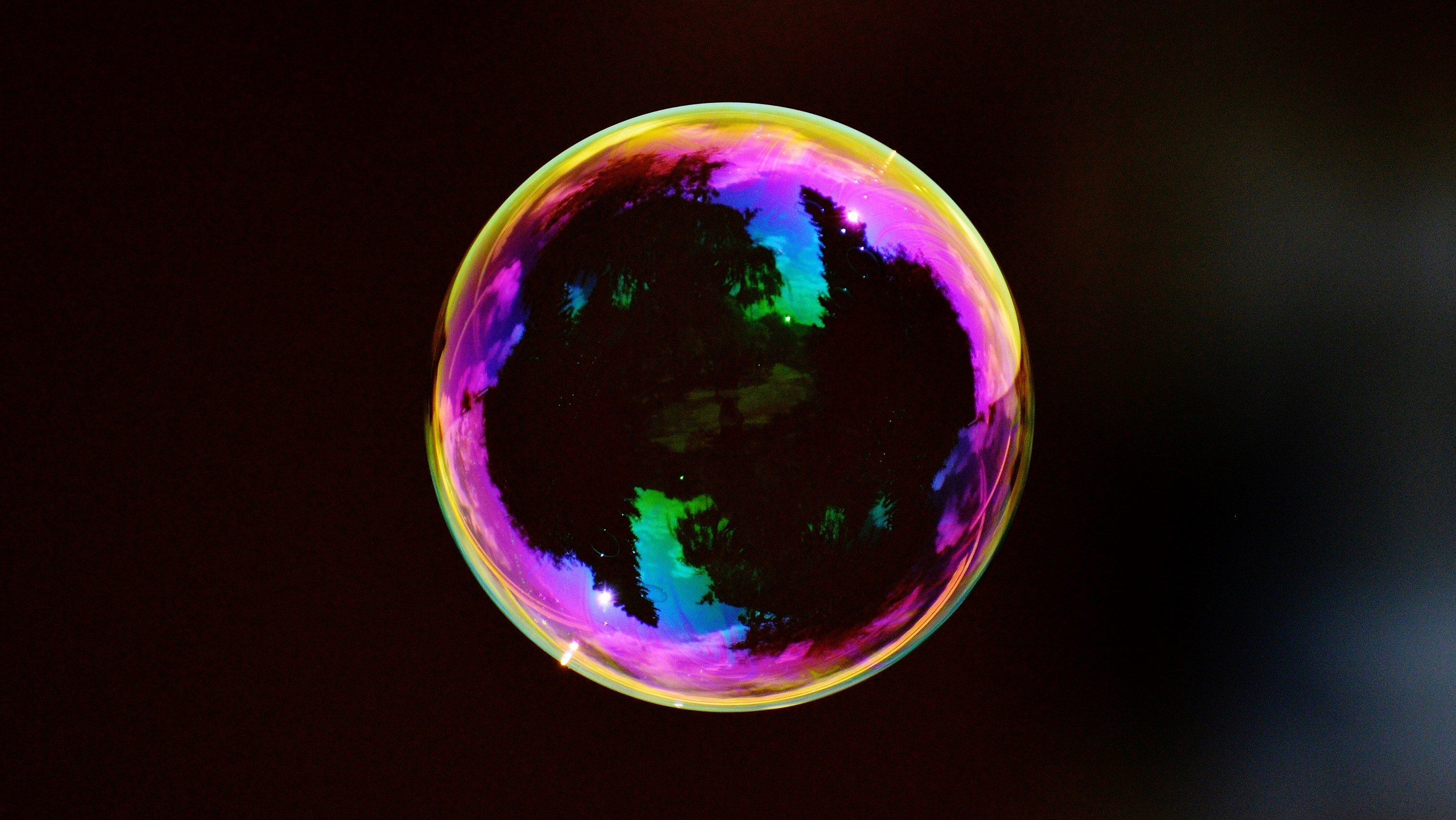The chemistry behind how you make a record-breaking giant soap bubble