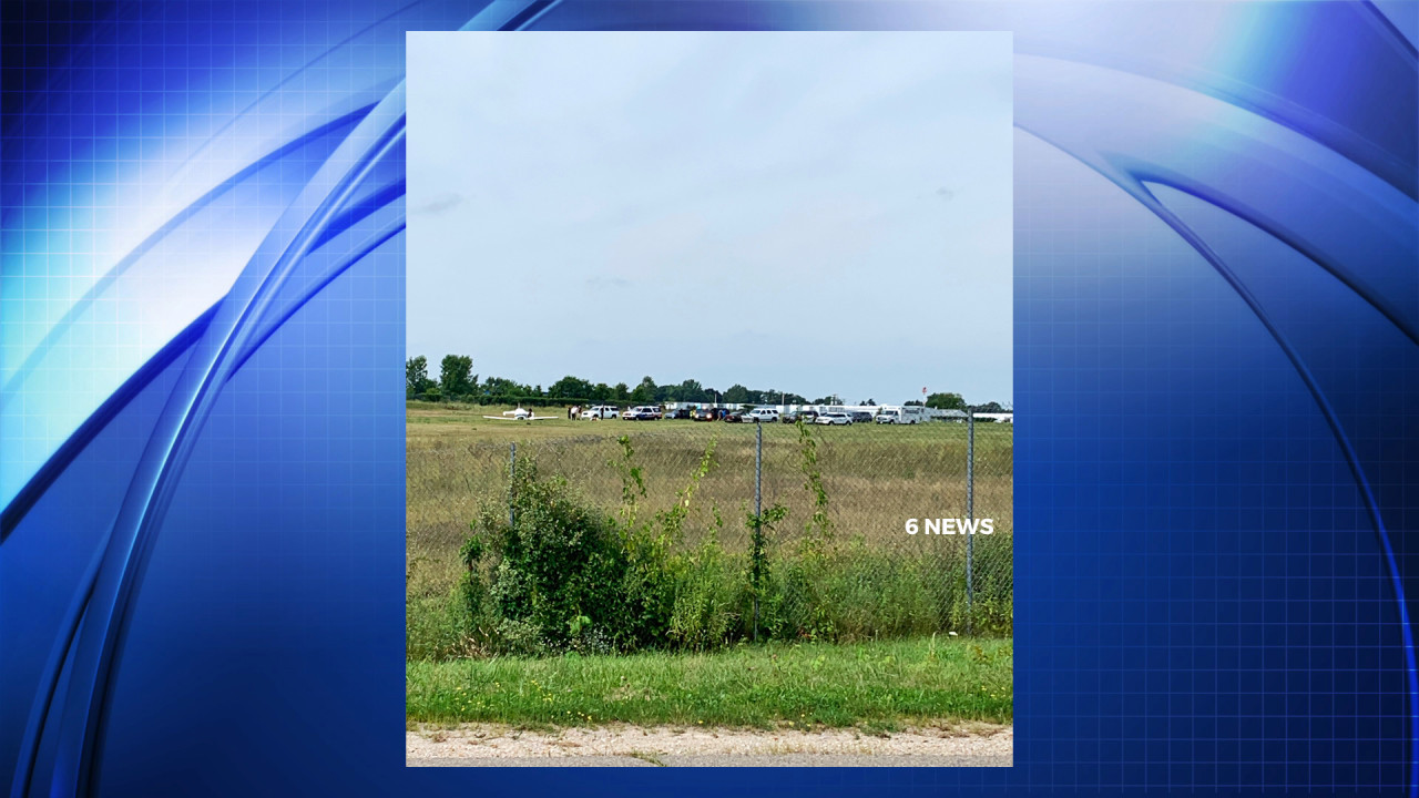 UPDATE: 2 dead as small plane crashes at Livingston Co. airport