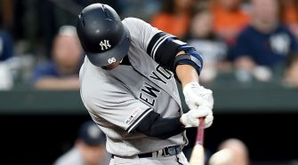 Yanks mash 49th HR vs. O's to break MLB mark