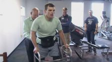 Man who was paralyzed is able to walk again thanks to technology