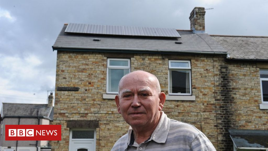 Solar panels: Thousands of customers complain