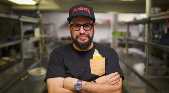 Celebrity Chef Carl Ruiz Dead At 44, Last Tweets Feature Maryland Eateries – CBS Baltimore