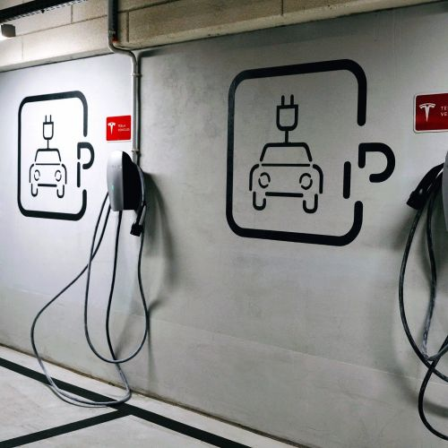 Vehicle-to-Grid Technology Puts Businesses in Driver's Seat of EV Revolution