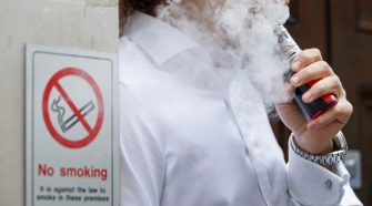 E-cigarettes more effective in helping smokers quit – group