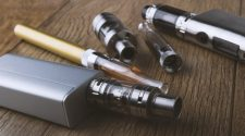U.S. health officials report 3rd vaping death
