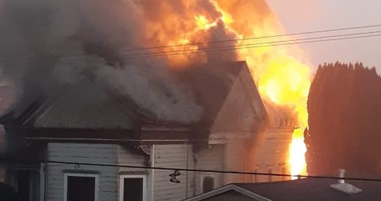 (UPDATING) BREAKING: Eureka Home Goes Up in Flames on 8th Street   Lost Coast Outpost