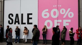 6 Shopping Tips To Keep Your Sanity This Record-Breaking Holiday Season