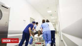 NI health system 'at point of collapse' say surgeons