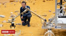 Mars rover hopes to grab a piece of history