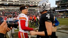 Chiefs vs. Raiders: Live updates, game stats, highlights for AFC West showdown on CBS