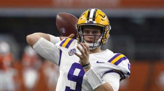 No. 1 LSU's Burrow's 7 TD passes ties record for bowl game