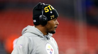 Steelers cut Kameron Kelly after charges for making terroristic threats, resisting arrest