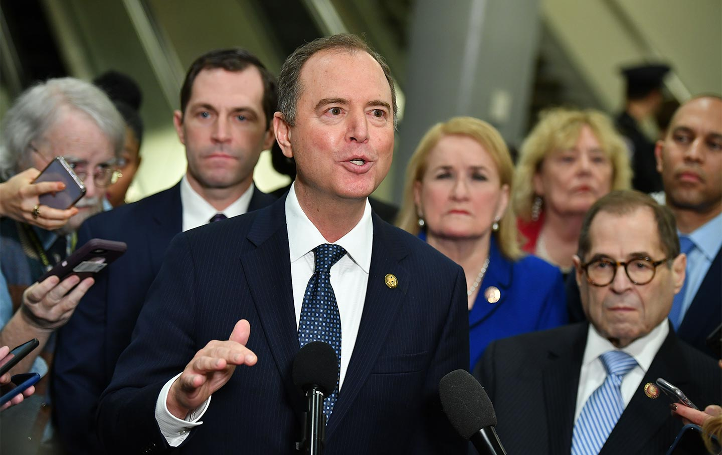 adam-schiff-impeachment-congress-gt-img