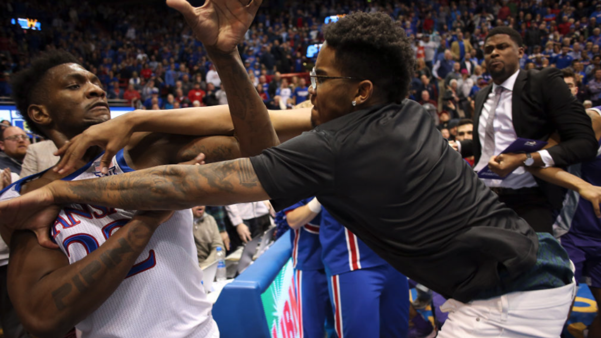 Kansas basketball fight vs. Kansas State: What to know, what happened in brawl between Jayhawks and Wildcats
