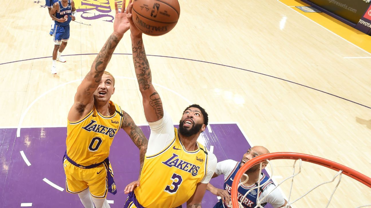 Lakers' Anthony Davis leaves with lower back injury after scary fall