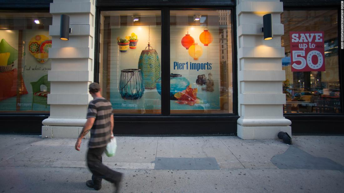 Pier 1 will close up to 450 stores