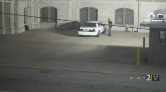 Video contradicts initial police statement on man's Capitol break-in