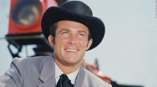 Robert Conrad of 'The Wild Wild West' dead at 84