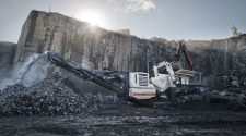 Lokotrack-LT106-mobile-jaw-crushing-plant