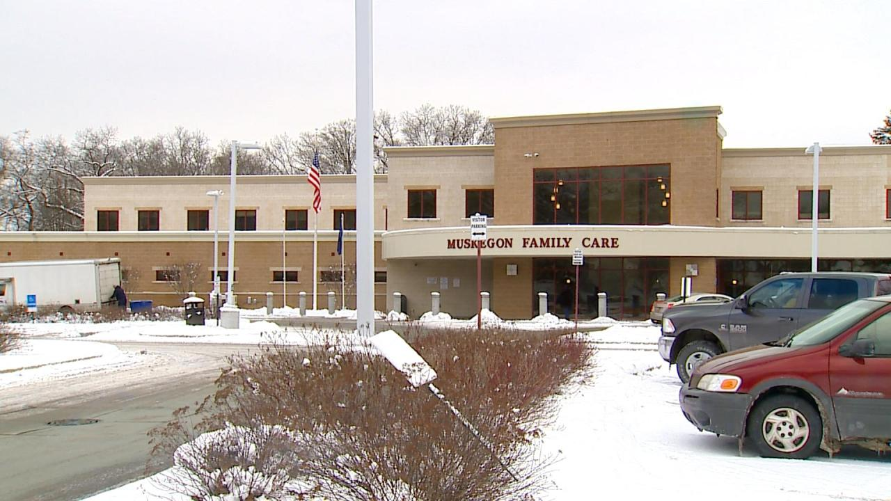 Patients want answers after health clinic suddenly closes