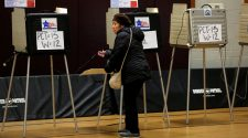 Illinois Stumbles as States See Light Voter Turnout, With Many Ballots in the Mail