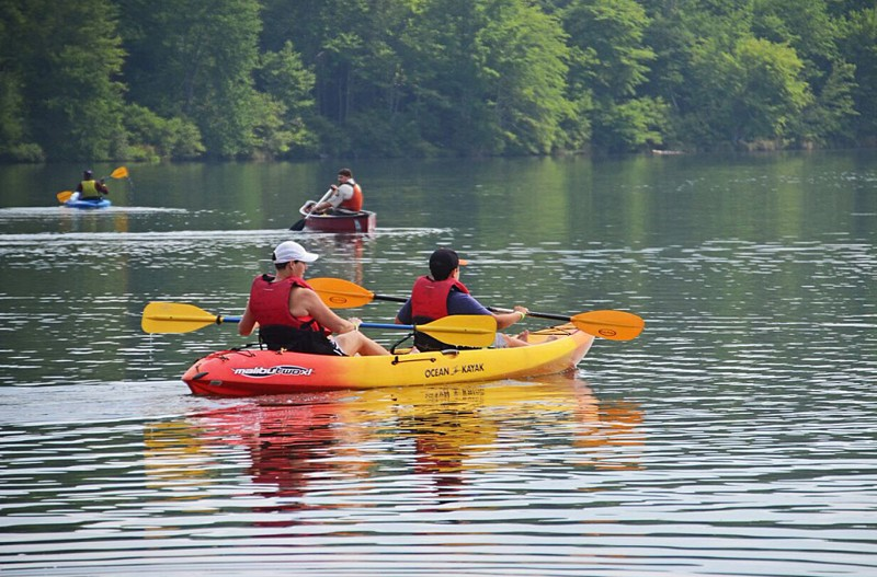 State to break up large groups at lakes, parks