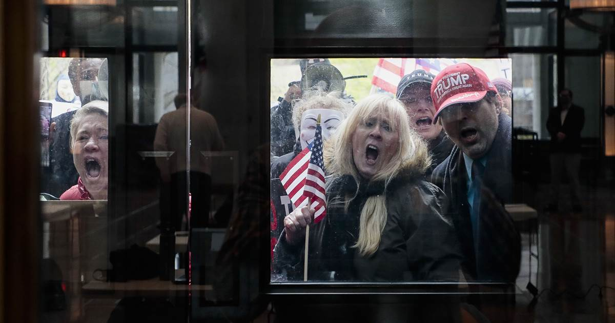 Tea party-style protests break out across the country against stay-at-home orders
