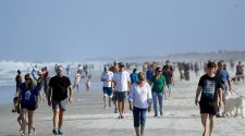 Florida Beaches Packed As Trump Cajoles People to Break Quarantine