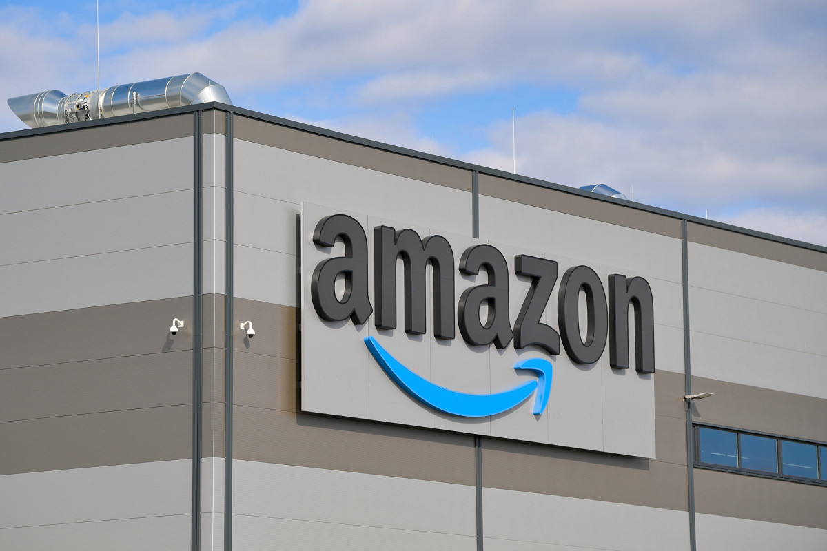 Amazon to fire workers who break distancing rules amid coronavirus