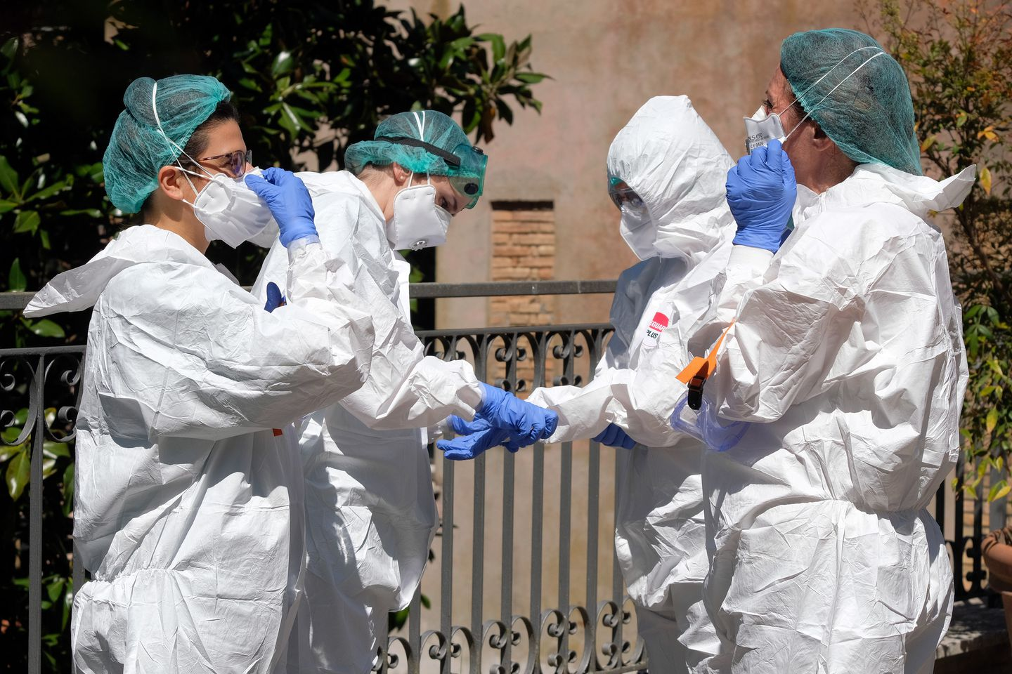 Coronavirus live updates: China's economy shrinks for first time in decades; U.S. plots course to reopening business