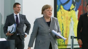Relying on Science and Politics, Merkel Offers a Cautious Virus Re-entry Plan