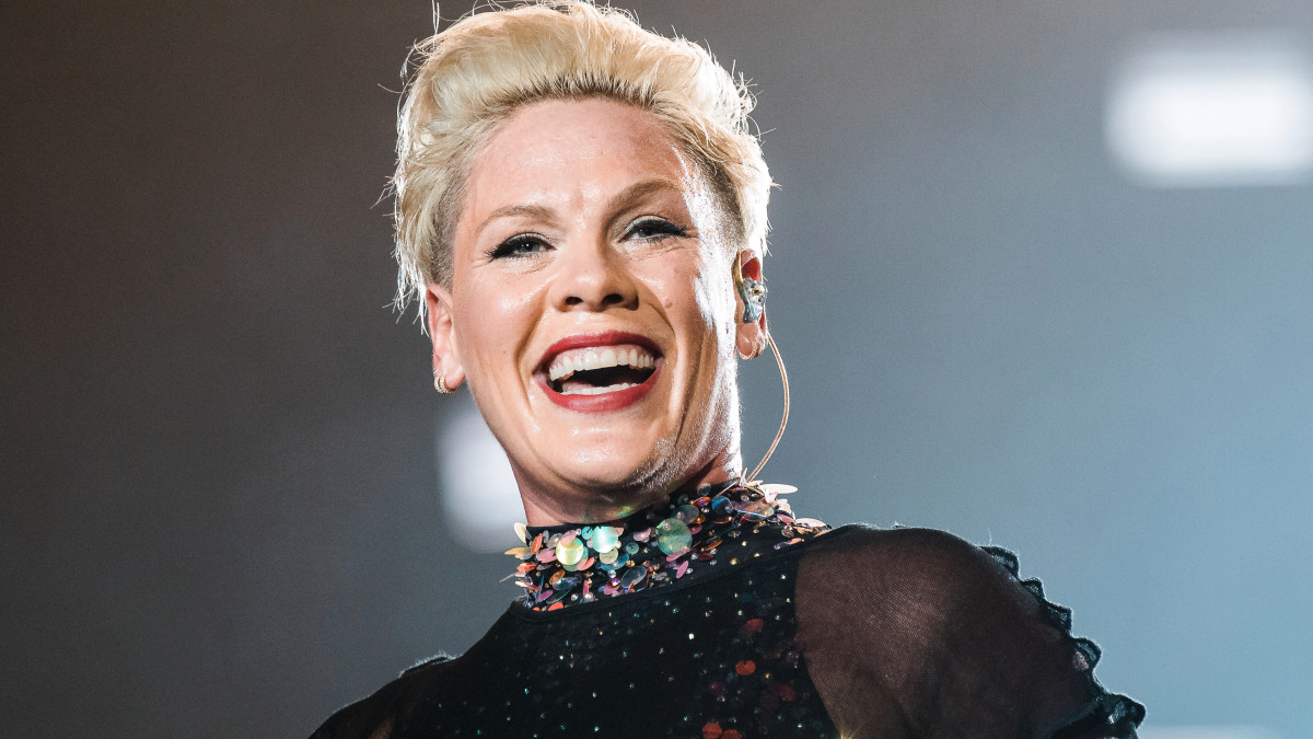Singer Pink Says She Had Coronavirus, Will Donate to Philadelphia Hospital – NBC10 Philadelphia