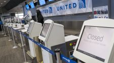 United Airlines (UAL) posts $1.2 billion loss amid coronavirus, seeks more federal aid