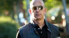 Amazon bans police use of facial recognition technology for one year