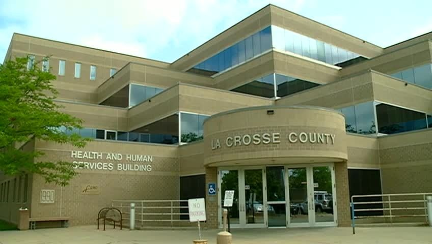 As La Crosse County hits 145 active COVID-19 cases, health department updates high-risk locations