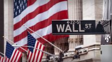 Stocks Slide as Tech Slumps and Jobless Claims Rise