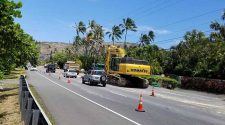 BILLY HULL / BHULL@STARADVERTISER.COM A water main break in Hawaii Kai has disrupted service for multiple days to eight homes in the area.