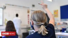 Coronavirus: Face coverings U-turn for England's secondary schools